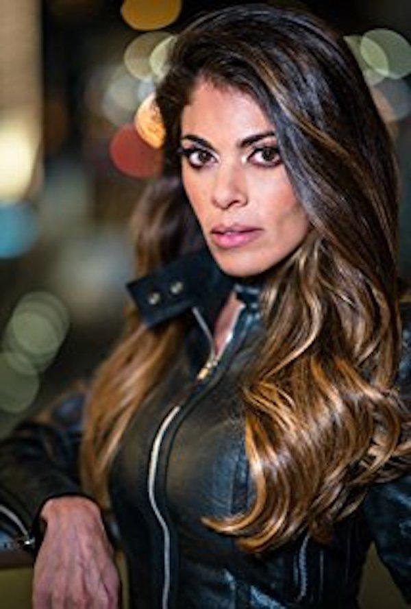 Killer Twin Star Lindsay Hartley Talks To TVGrapevine