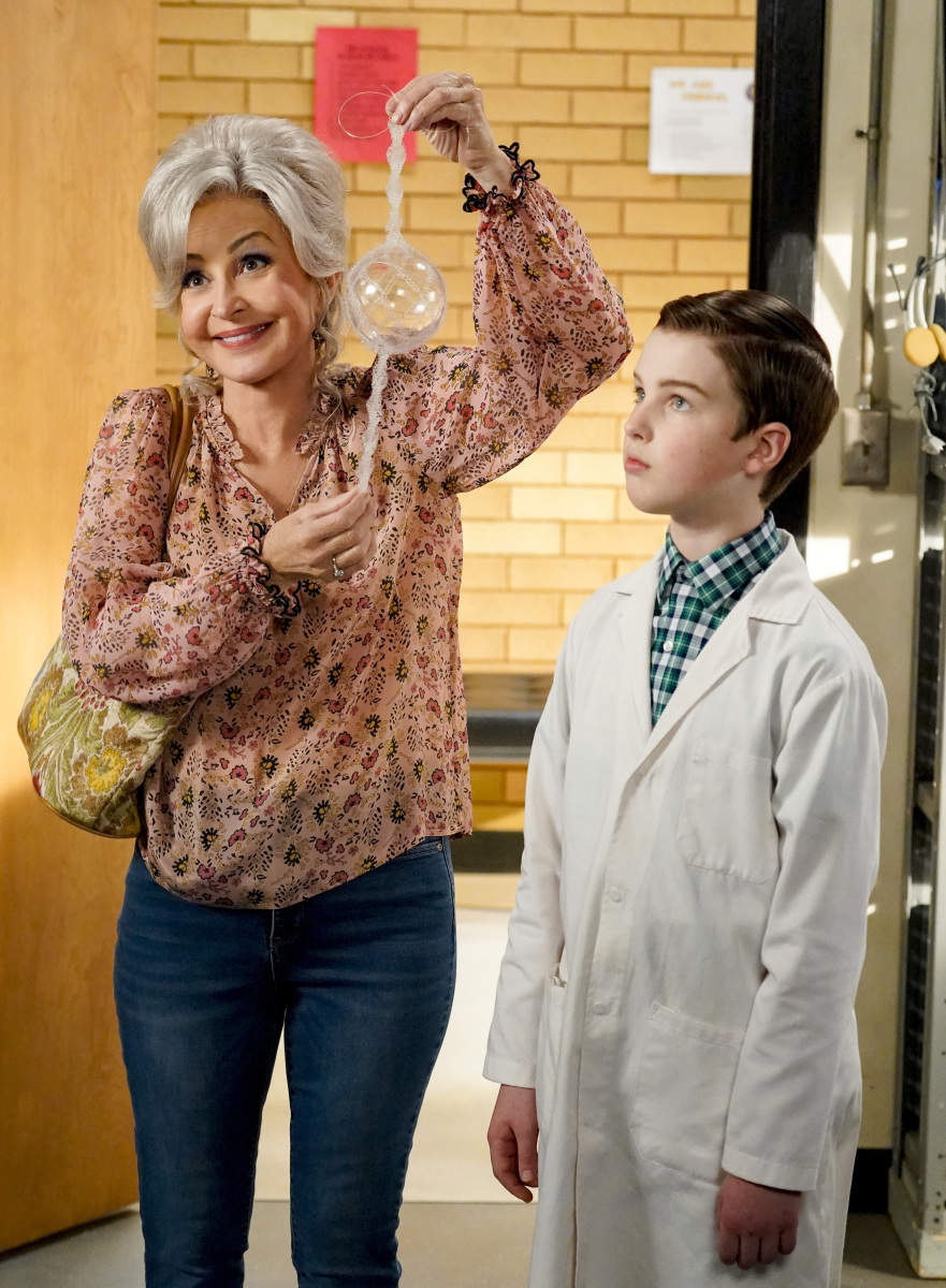 ICYMI: Recap for Young Sheldon A Box of Treasure and the MeeMaw of Science