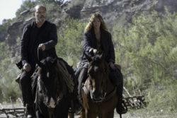 Jenna Elfman Talks Marriage, Nuclear Disarmament & Fear the Walking Dead